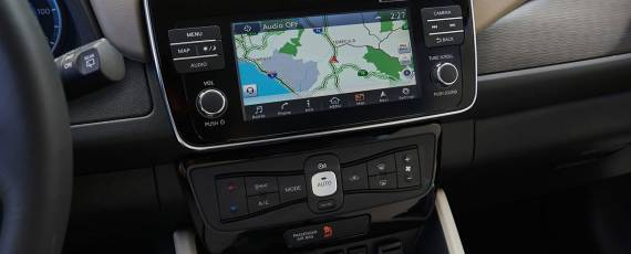 Nissan LEAF 2018 (18)