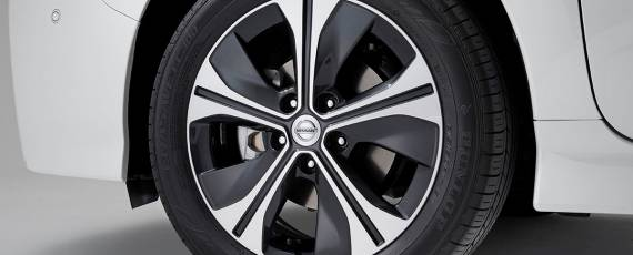 Nissan LEAF 2018 (13)